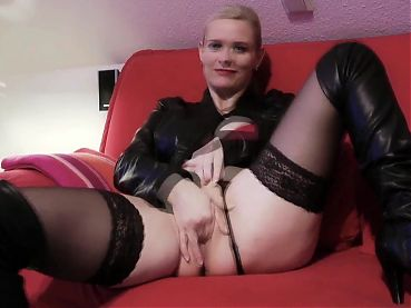 Amazing Blonde MILF Playing WIth Her Pussy with Big Clit