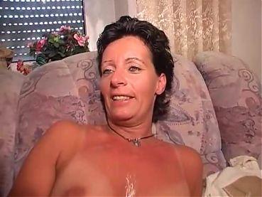 Sexy mature fucks chubby guy