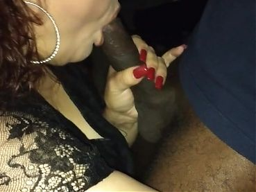 Rae Lynn sucking a Mandingo