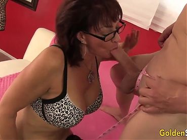 Older Harlot Vanessa Videl Gets Plowed