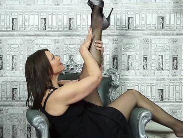 Beautiful MILF fucks her wet pussy