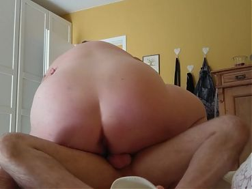 BBW sucking and riding