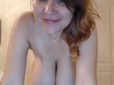 She shows her big boobs on webcam