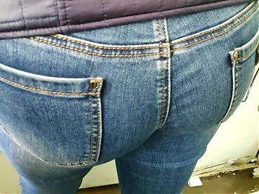 I touched delicious hips mature milfs in tight jeans
