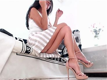 Hot lady in sexy heels