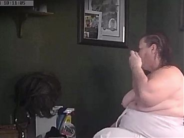 Fat Wisconsin Wife topless and combs her hair on valentines